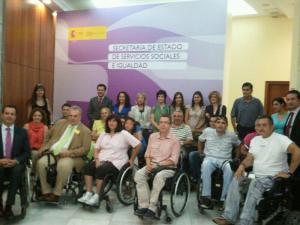 Miembrso de la Fundación para la Recuperación del Lesionado Medular y de ASPAYM Madrid a la presentación del libro