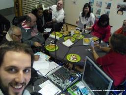 El equipo gastrofónico tras la mesa de control