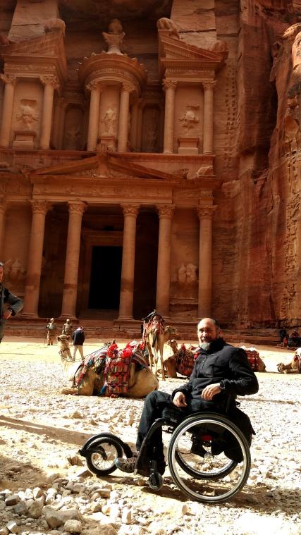 Miguel Letón en Petra - A ruedas por el mundo